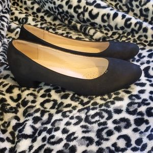 Black low block heel